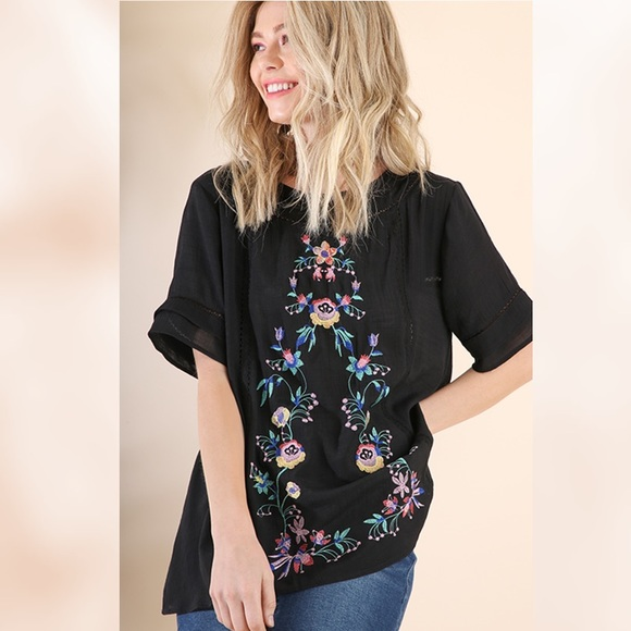 52337daa0dd73 UMGEE Short Sleeve Floral Embroidered Blouse